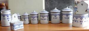 LOT de pots boites à épices anciens  boite allumette en  tôle émaillée Art Deco