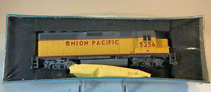 NIB Athearn Blue Box HO EMD GP40-2 Union Pacific UP #5256 Dmy ATH4735 ME-77