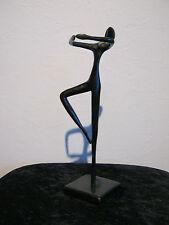 Ballerina Tänzerin Pirouette drehend aus Bronze von Bodrul Khalique