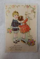 AK  Glückwunschkarte zum Namenstag Kinder prächtig gekleidet um 1910
