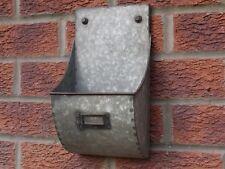 Metallo color argento industriale di stoccaggio muro Unità shabby vintage effetto anticato scaffalature
