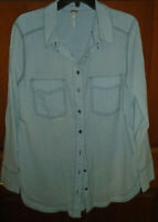 FREE PEOPLE LIGHT BLUE SHEER BUTTON DOWN WOMEN'S SHIRT SIZE MEDIUM