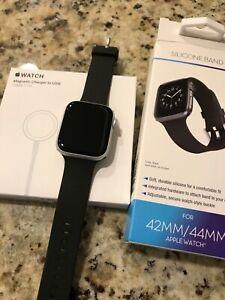 Apple Watch SE 44mm Silver Aluminum Case Black Band Smart Watch - MINT