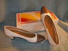 Vintage Ladies Shoes-California Magdesians-9 1/2 S-Heel-White Taupe-Original Box