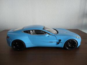 AUTOart Aston Martin one-77 Tiffany Blue 1:18  70240   Rarität