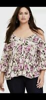 NWT Womans Plus TORRID Blush Floral Cold Shoulder Top Bell Sleeve Size 2 2X NEW