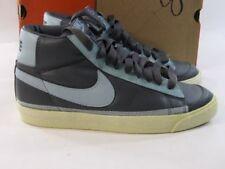 Calzado de mujer grises Nike de piel