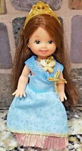 Kelly Club PRINCESS CHELSIE Doll  2002 Dress Crown Necklace Green Eyes Freckles