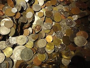 FOREIGN COINS 1977 Jubilee CROWN IN EVERY LOT 5 POUND OF UNSEARCH WORLD COINS