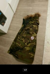 Canada Goose Camouflage Parka M
