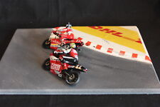 "QSP Diorama 1:24 corner with red / white curb stones ""DHL"""