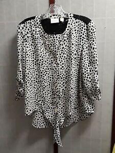 Chico/'s cotton animal print button down blouse  Size 3  Chico/'s blue white cheetah print 34 length no-iron cotton shirt
