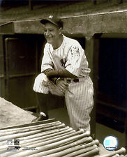 LOU GEHRIG CLASSIC NY YANKEES DUGOUT STEPS AT THE BACK RACK WATCHES GAME