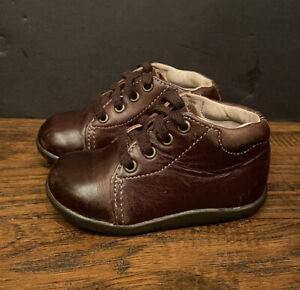 Stride Rite Boys SRT Elliott Brown Leather Shoes EUC Size 5M