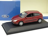 Minichamps 1/43 - Ford Focus 3 Portes Rouge