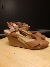 Womens Old Navy Wedge Brown Sandals Size 8