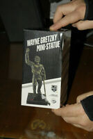 WAYNE GRETZKY MINI  STATUE NEW IN BOX LOS ANGELES KINGS SGA HOCKEY GOAT MINT