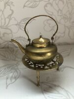 Antique/vintage Brass Kettle/teapot And Trivet Metal Ornament Collectable Decor