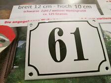 Hausnummer Emaille Nr. 61 schwarze Zahl auf weißem Hintergrund 12 cm x 10 cm