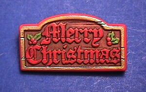 Hallmark PIN Christmas Vintage SIGN MERRY WOOD LOOK Nostalgic Holiday Brooch