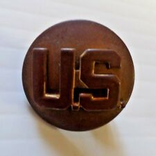"""Vintage U.S. Army Enlisted """"U.S."""" Insignia Lapel Hat Pin Goldtone Round Beveled"""