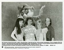 KIRK CAMERON ELIZABETH MANLEY SCOTT HAMILTON ALLYCE BEASLEY SMILING ABC TV PHOTO