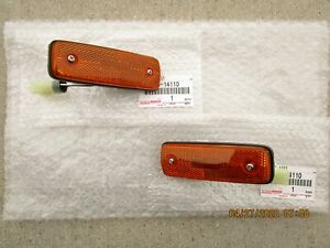81 - 82 TOYOTA STARLET FRONT LH + RH SIDE MARKER LIGHT SET OEM BRAND NEW