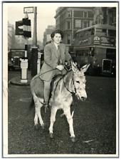 United Kingdom, London, Lilo Brum, theatre shows organiser  Vintage . Tirage a