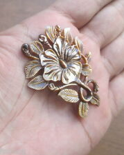 Hand Carved Lustrous Rainbow Mother of Pearl Shell Flower Pendant Bead 03250516