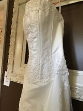 """Private Collection"" Size 6 Lace Wedding Dress, Ivory"