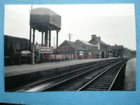 PHOTO  BUILTH WELLS RAILWAY STATION  6/49 VIEW OF STATION AND WATER TANK