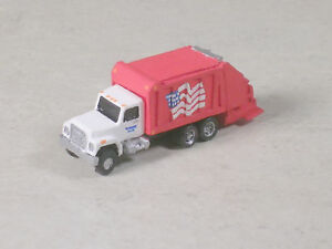 Z Scale 1982 Red International Garbage Truck w/ Flag, revision #2