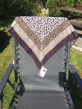 un foulard russe 89*89 cm soie   Shawl, Wrap, Scarf, Chustka, el pañuelo