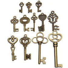 Set von 13 Antik Vintage Look Bronze Skelett Schlüssel Fancy Heart Bow Anhänger^