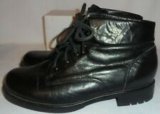 EARTH SHOE, LADIES BLACK LEATHER LACE UP ANKLE BOOT, SIZE  7 1/2 M.