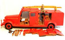 Großes Holz Auto Ziehspielzeug Feuerwehr mit Figur und Zubehör um 1950 RARITÄT