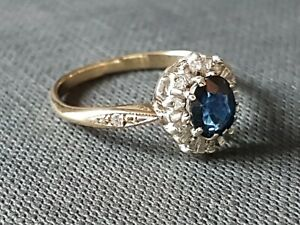 BEAUTIFUL 2NDHAND 9ct YELLOW GOLD BLUE SAPHIRE AND DIAMONS CLUSTER RING SIZE M