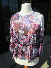 Beautiful long-sleeved silky-feel blouse from H&M. Size 10. Crease-resistant