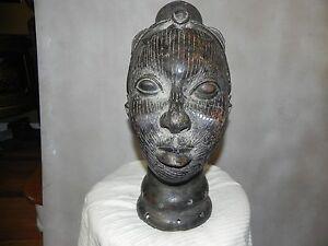 """Arts of Africa - Rare Queen Mother Sculpture - Benin - 17"""" Height x 10"""" Wide"""