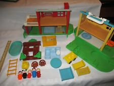 Fisher Price Little People Play Family 2551 Neighborhood pool tree house split a