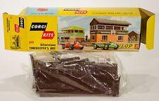 Corgi kits 604 silverstone press box. mint/défait. coffret. original années 1960