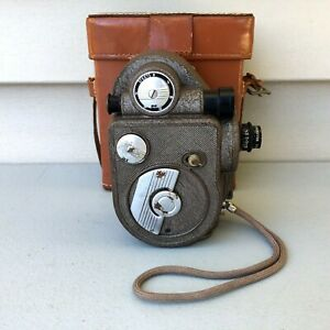 Vintage Revere Model 88 Video Camera 8mm Retro Wind Up with Leather Case