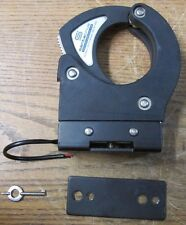 Santa Cruz SC-5 Universal Gun Lock With Mounting Bar And Key