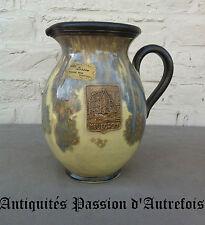 B20140757 - Gros pichet ville de Mouscron en grès signé Losson - Bouffioux