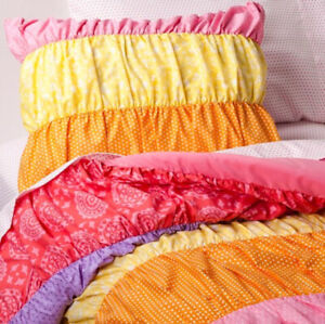 7 Piece - Circo RUCHED Bands of COLOR Reversible Comforter + Shams + Sheets FULL