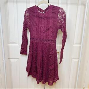 Whyte Eyelash maroon lace dress long sleeves mini size XS GUC