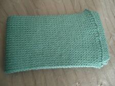 ECHARPE - VERTE  avec fil métallisé - acrylique laine - tricotée à la main