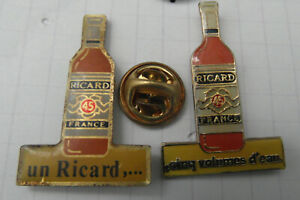 2 Pin's différents  - Ricard - Pins