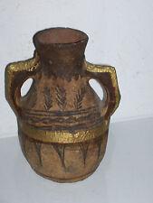 Ancien vase en terre cuite . Old terracotta vaseMoyen  Orient Maroc...