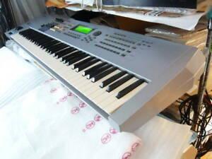 Yamaha Motif ES7 76-Keys Music Production Workstation japanese